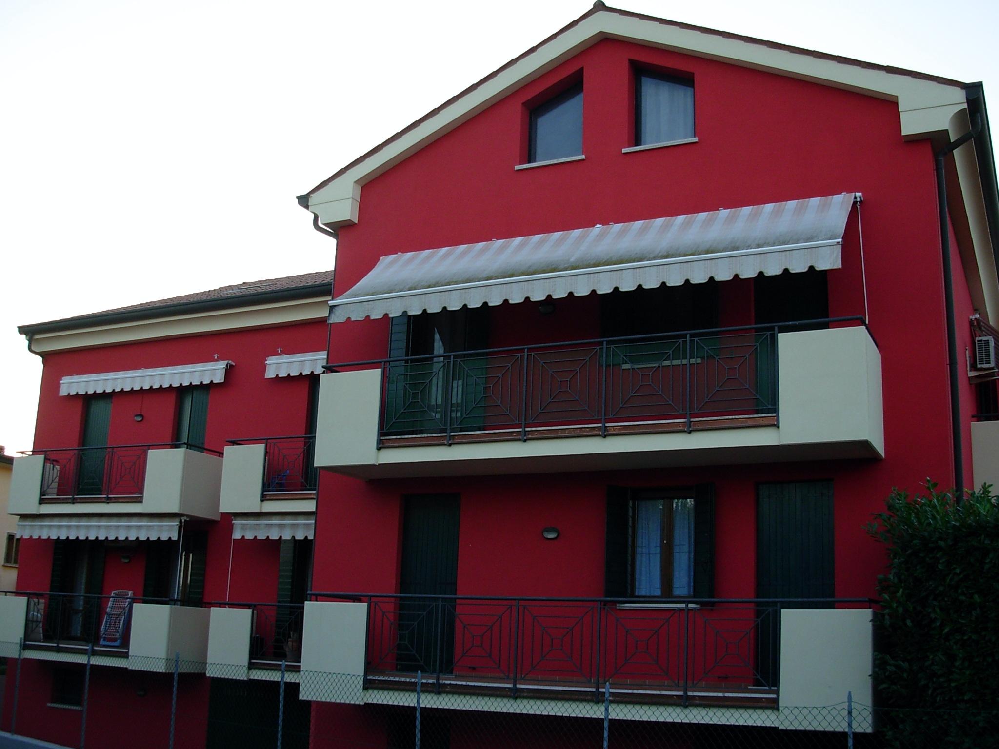 Casarella pitture per esterni padova - Pitturare casa esterno colori ...